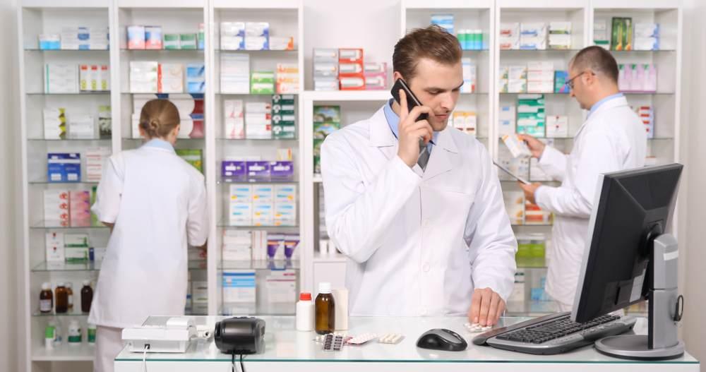 Reprendre une pharmacie et son équipe-1